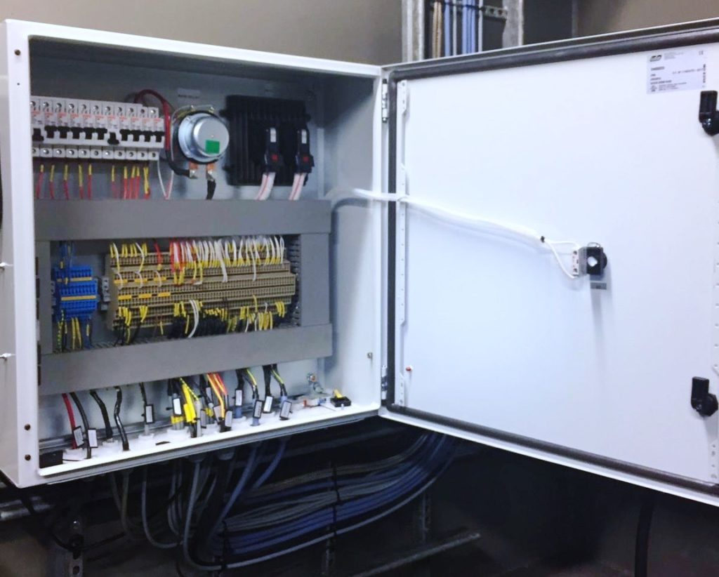 Machine electrics and control systems - Konesähkö- ja ohjausjärjestelmät